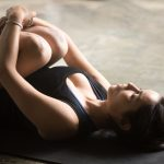 Fitness: 10 esercizi da fare a casa di ginnastica posturale