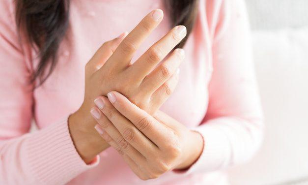 Psoriasi delle mani: i rimedi