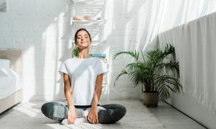 Yoga per dimagrire: esercizi da fare a casa